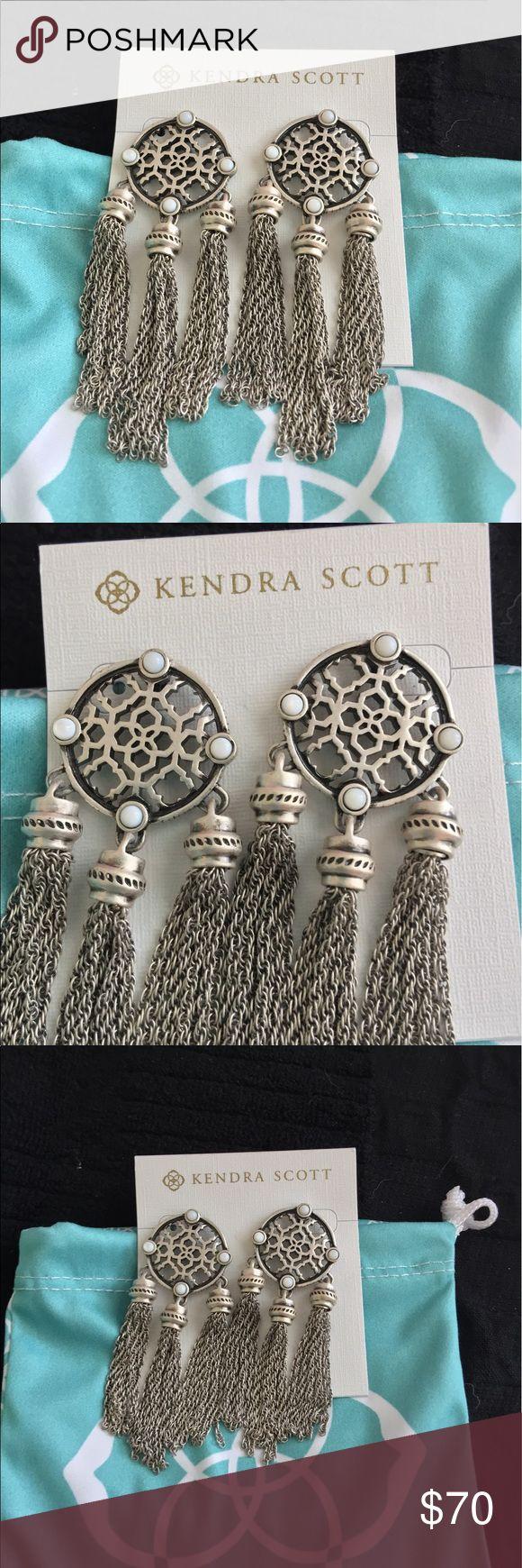 Kendra Scott Adams earrings NWT beautiful Kendra earrings with light, dainty chains. Kendra Scott Jewelry Earrings
