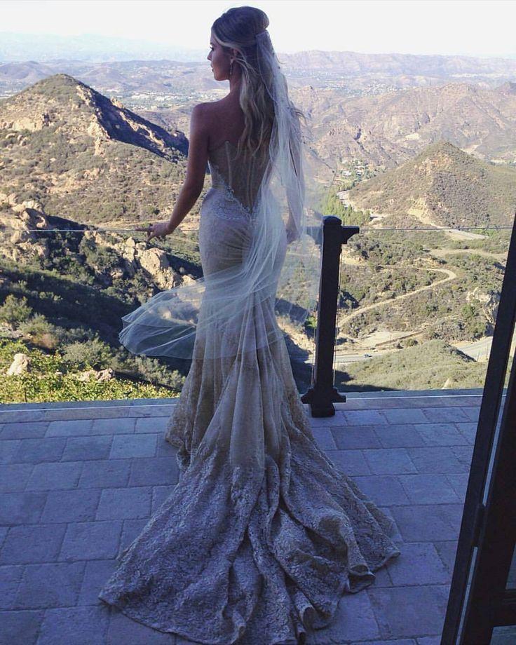 #InbalDror #Hautecouture #Weddinggown #Realbride @misscarlylauren @chardphotos