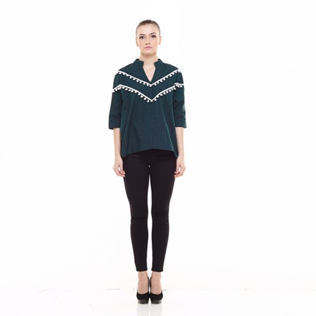 Renya Top ___________ IDR 329k Made from custom hand woven lurik combined with white pompoms  All size fit to L Available only in green. Limited collection. For more details please contact bio. . . . . . . . . . #jualurik #luriktops #jualatasan #tops #jualbaju #bajuatasan #jualbajubigsize #jualbajulokal #handwoven #lurik #baju #bajulurik #bajufashion #jualbajufashion #bajubigsize #bajupremium #kain #kainnusantara #jualkainnusantara