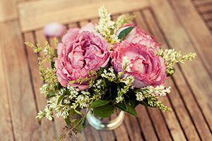 4 Affordable Wedding Flower Choices