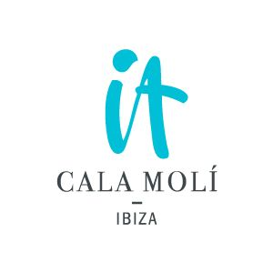 An amazing beach and a Beach Club among the most exclusive in Ibiza, this is IT Cala Molì.