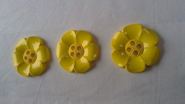 Chunky Flower Shape Buttons Size 60mm diameter £2.00