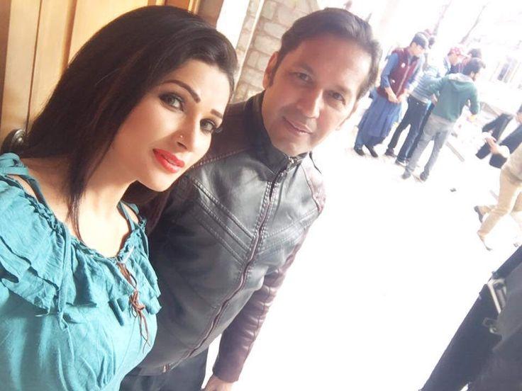 https://flic.kr/p/TkHiTs | Rohid Ali Khan and Zara Malik SHOPING | Rohid Ali Khan and Zara Malik shoping in Muree  ADHOOREY KHUWAAB