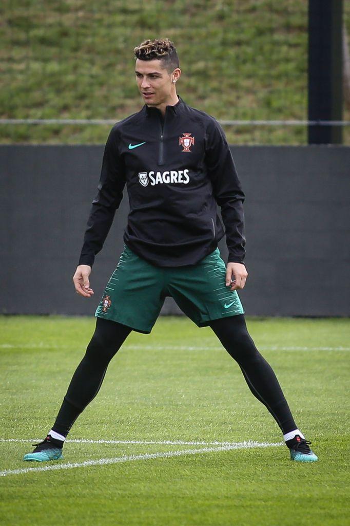 Portugal's forward Cristiano Ronaldo takes part in ... 1