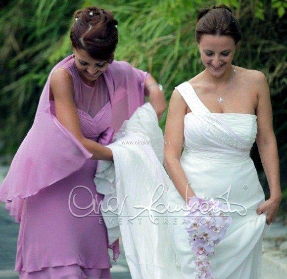 Glicine e cristalli per l'abito di Passaro Sposa