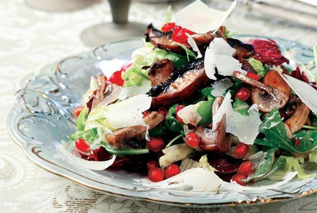 Ζεστή σαλάτα µανιταριών