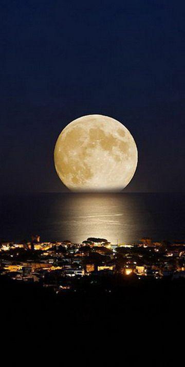 Brasil...  Florianópolis, SC. Lua cheia!
