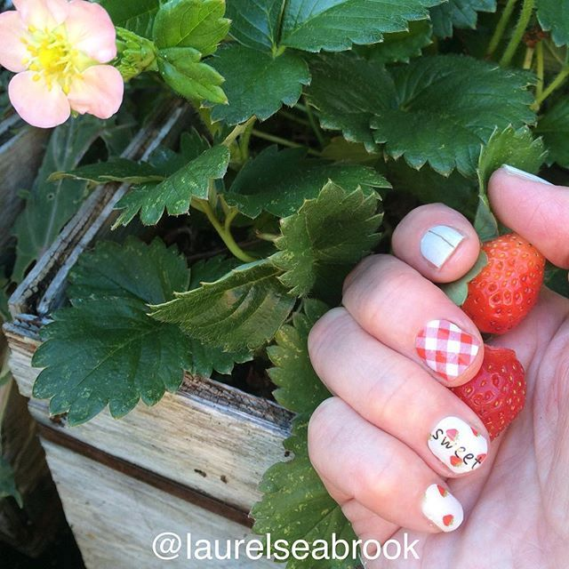 My grand daughter hasn't been over so I finally can eat some of my strawberries 🍓🍓🍓 #sheeatsthemall #yummy #sweet #summer #strawberries #nas #nails #strawberryfieldsjn #srmstickers