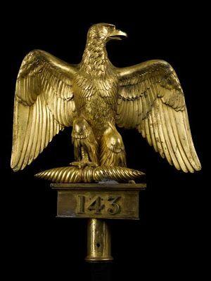 Arts décoratifs Premier Empire - Aigle de drapeau du 143e régiment d'infanterie, modèle 1804 - par Chaudet et Thomire (Paris, musée de l'Armée). Bronze.