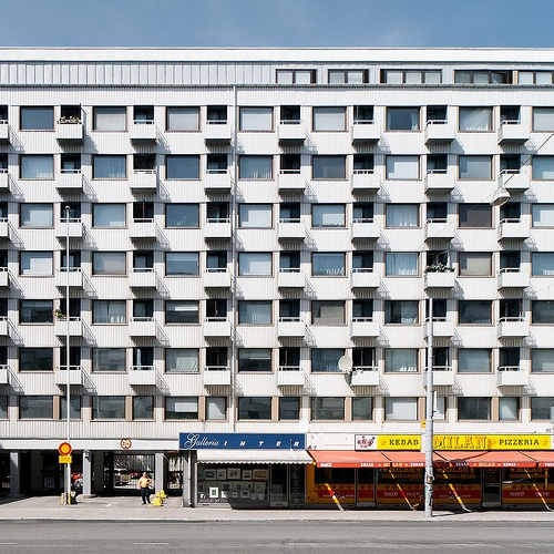 Ei nyt ihan kaupungin parhaimpia puolia... Varmaan kivat sisältä silti! :) ---- Not the most representative building in my beloved hometown... yet I bet its nice inside! :)