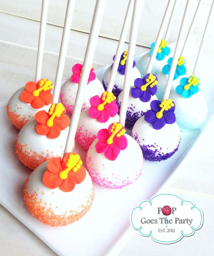 Hawaiian themed cake pops!                                                                                                                                                     More