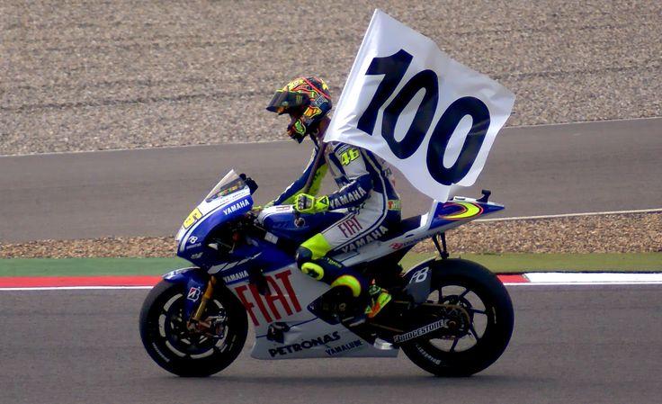 La 100a vittoria di Valentino ad Assen nel 2009,lo stesso anno vinse il suo nono titolo mondiale,affermandosi il pilota pià titolato di sempre