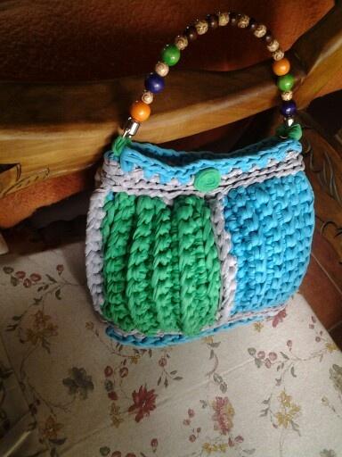 Bolso trapillo verde y azul