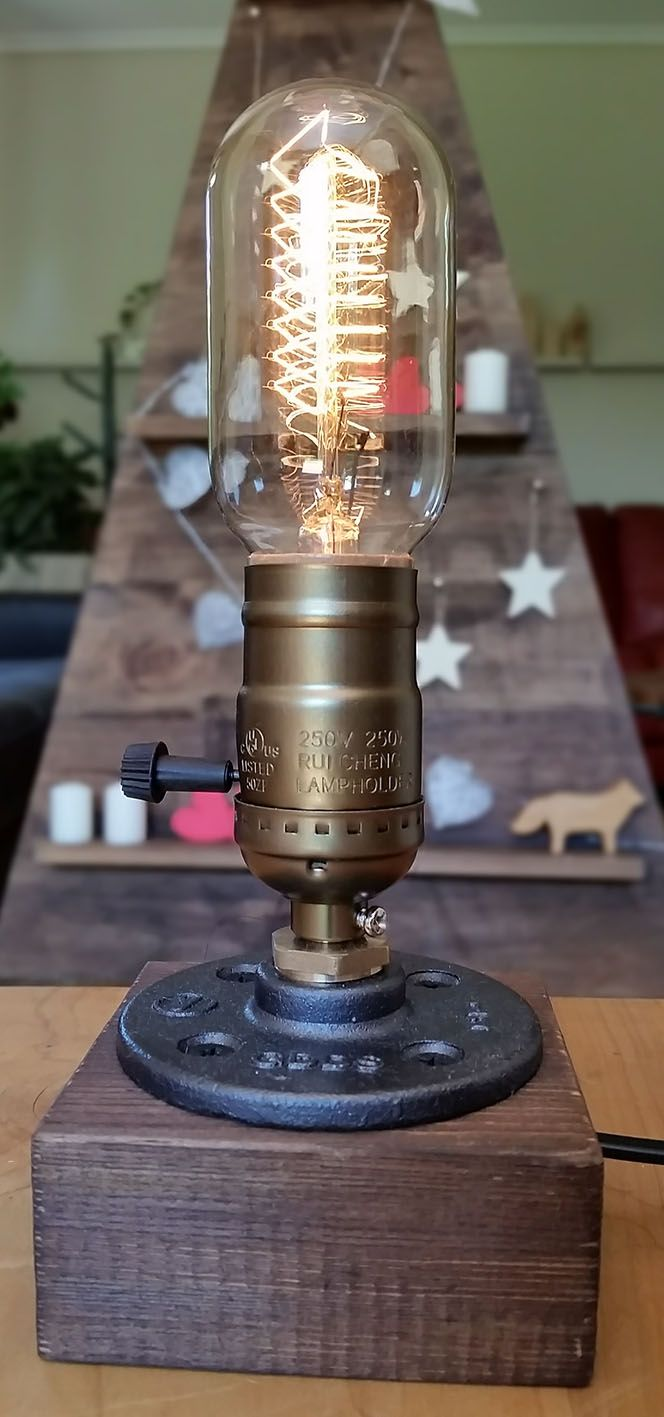 maravillosa! en estilo vintage industrial, con una exclusiva ampolleta edison/pino. Sólo en nuestra tienda www.labellezadelascosas.cl