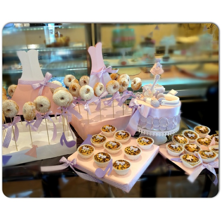 Dessert table in #violettaDisney Style... I Love music!