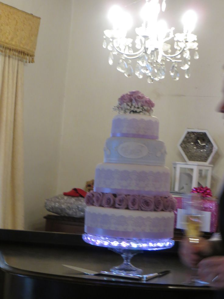 the wonderful cake - we illuminated it from underneath to show it off and had the piano playing while we cut the cake - AMAZING