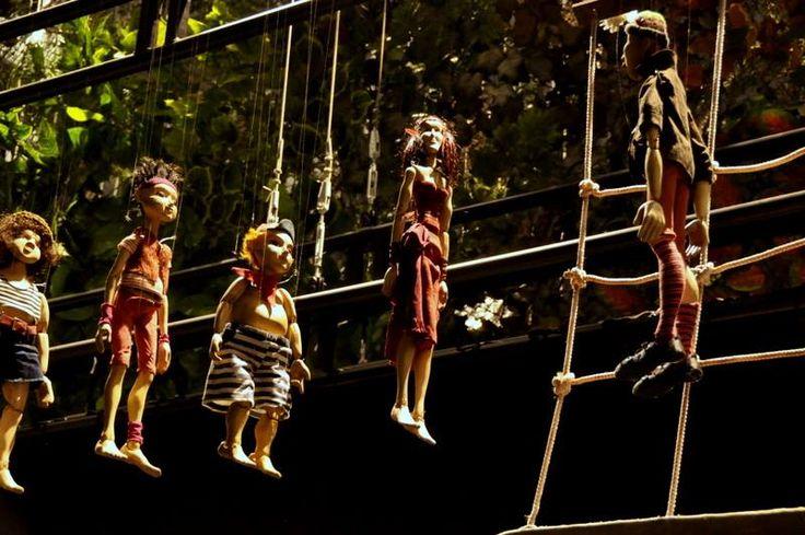 """Teatr Lalek """"Arlekin"""" im. Henryka Ryla. Dnia  28 grudnia 1948 wystawiono pierwsze  przedstawienie, była to sztuka pt. Dwa Michały i świat cały, autorstwa Henryka Ryla, założyciela teatru. #kulturalnełódzkie"""