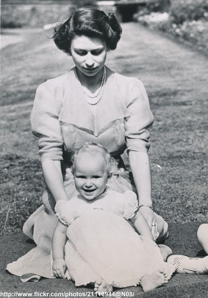 DATE:August 10 1951 D:Princess Elizabeth with her daughter Anne on ocassion of her first birthday /original photo