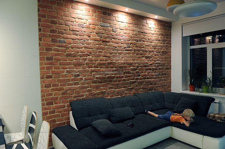 Плитка из бетона имитирующая старинную кладку(квартира)