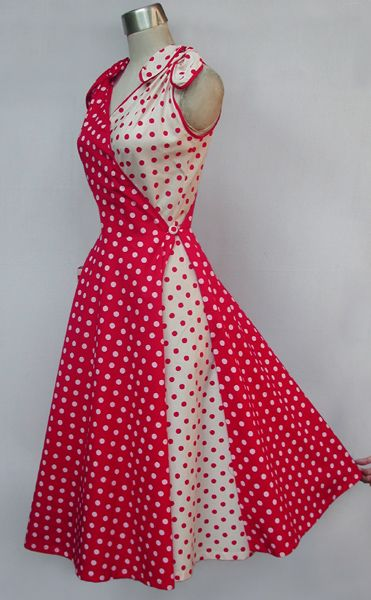 Love it VESTIDO ROJO CON BLANCO EN BOLAS