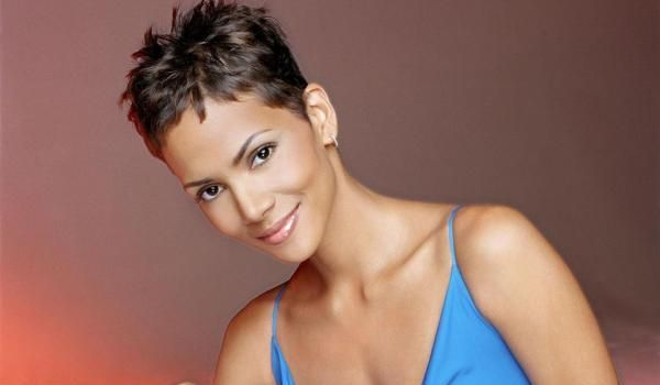 I really think I'm gonna do it!!!   hally berry short hair 30 Sexy Halle Berry Hairstyles