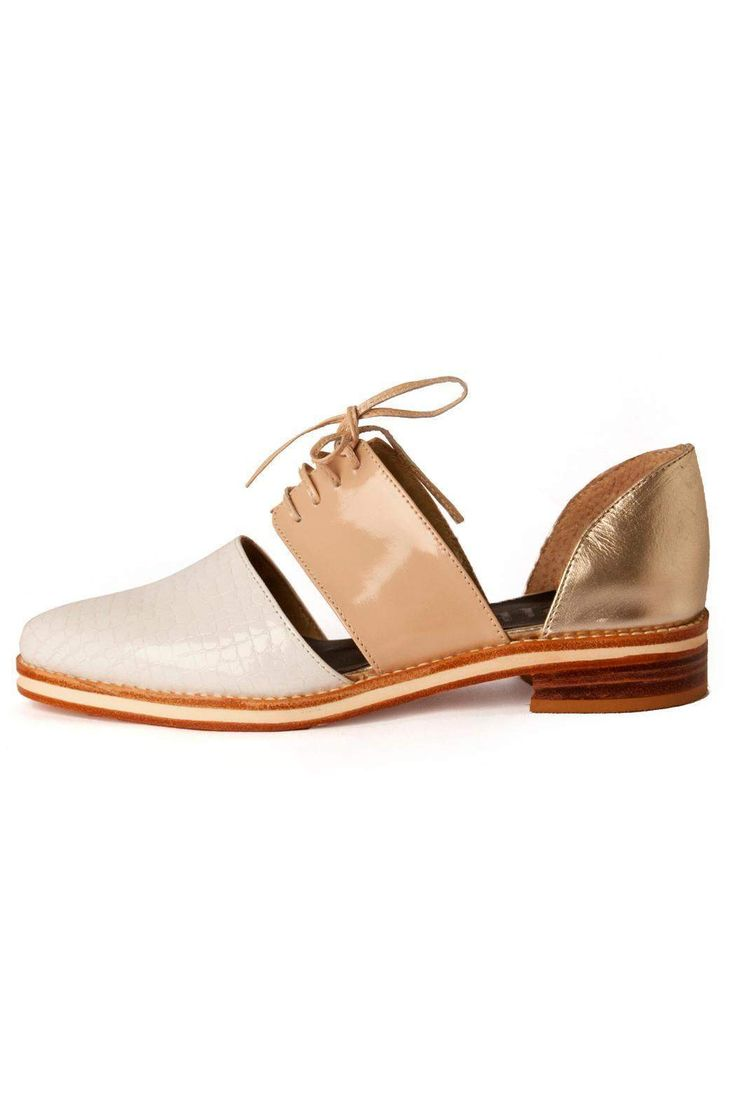 "Cordoned open with leather soles and rubber EVA midsole combined in different leathers.     Heel height 1.3"" and 0.47"" base   Lombok White Oxfords by C'EST FINI. Shoes - Flats - Loafers & Oxfords Argentina"