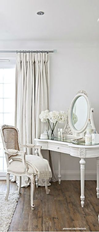 White painted dressing table  ~ lovingly repinned by www.skipperwoodhome.co.uk