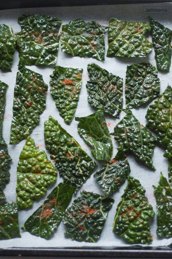 jadłonomia · roślinne przepisy: Czipsy z jarmużu