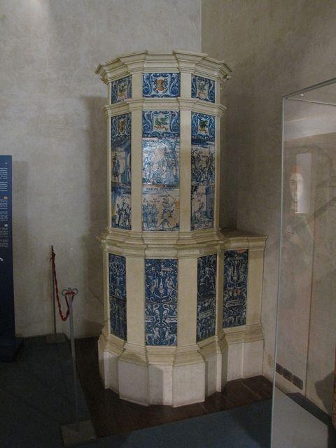 Stufa in maiolica del 1532 decorata da Bartholomäus Dill - Trento - Castello del Buon Consiglio