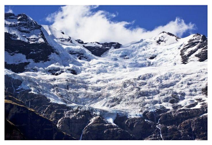Mt Earnslaw/Pikirakatahi (close up). Photo Credit: Kelvin Reid.