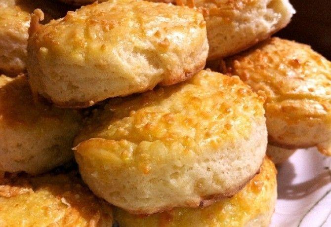 Régimódi sajtos pogi recept képpel. Hozzávalók és az elkészítés részletes leírása. A régimódi sajtos pogi elkészítési ideje: 35 perc