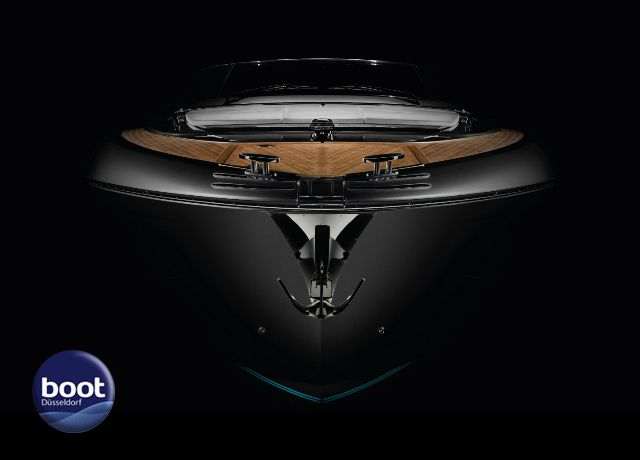 Riva returns to Boot Düsseldorf with 3 fabulous models for your delectation, with the elegant Rivamare and prestigious premieres of the Riva 76' Perseo and Riva 56' Rivale. See them up close at stand 6D28 in hall 6 from the 20th to the 28th of January 2018.