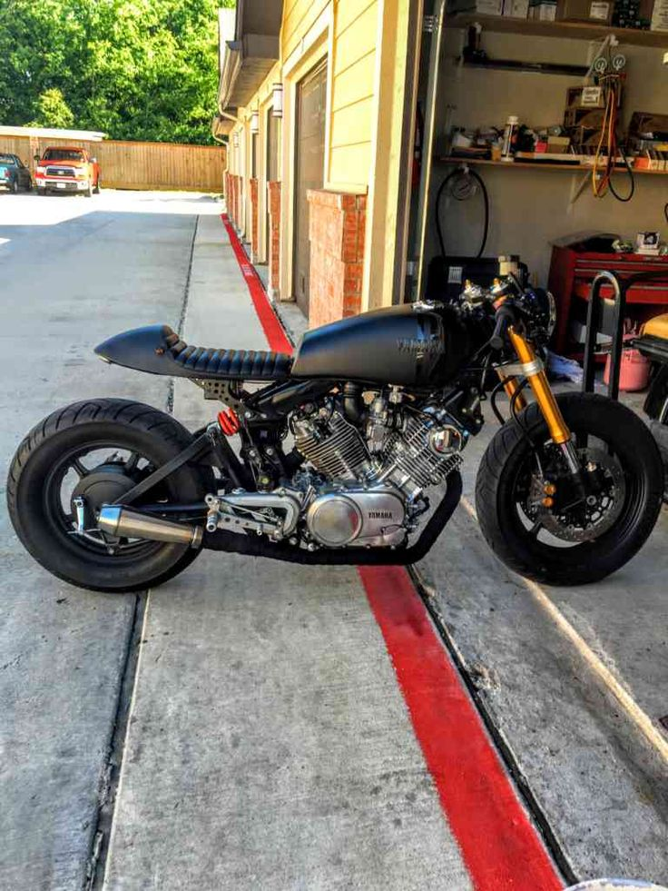 Great condition, clean title in my name, clean engine no leaks or rare noises, a lot invested R6 complete front end conversion Rear wheel replaced for second generation Valves adjusted Starter clutch virago problem fixed New 4 brush starter New tire