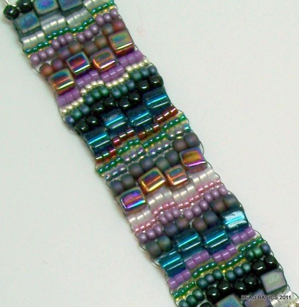 bracelet-- peyote stitch.  Pretty design! by PennyRobinson