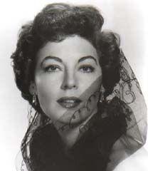 1951年のミュージカル「ショウ・ボート』で強烈な存在感を放ち一気にブレイクしたエヴァ・ガードナー