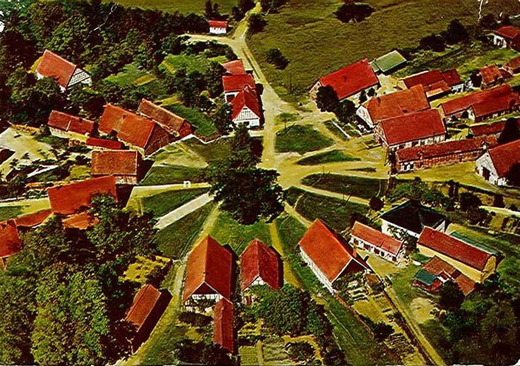 """WENDLAND: Seltsame Postkartenmotive: """"Han. Wendland, Rundling 'Schreyahn' aus der Vogelperspektive″"""