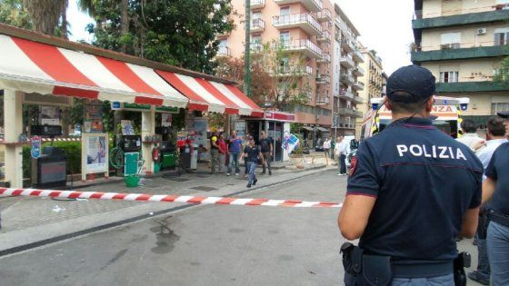 Mario Di Fiore, 78 anni, avrebbe sparato perché il pieno era troppo caro