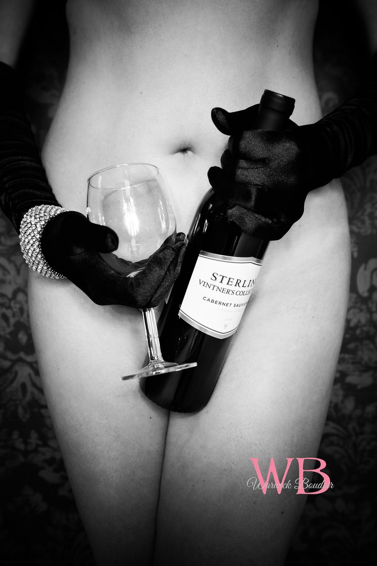 Picture wine bottle on nude