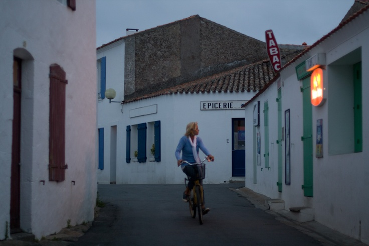 My summers in high school: bikes, beach, and baguettes on Ile d'Yeu