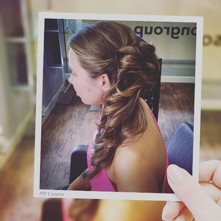 How adorable is our lovely client, Lydia, with her new prom hair! Hair styled by Helen #promhair