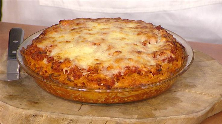 Spaghetti pie is a fun way to make dinner with leftovers for later- loved by the Today Show Hosts