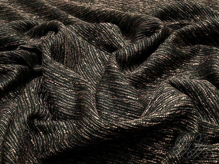 """Тонкая, фактурная, пластичная, костюмно-плательная ткань в стиле """"шанель"""". Чёрный фон с """"дождём"""" из светло-медных нитей.  #ткани #шанель #костюмнаяткань #шью #шьюсама #рукоделие #костюм #платье #цветапельсина #orangecolor"""
