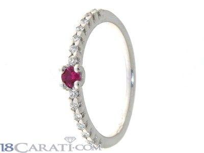 Anello con diamanti e rubino