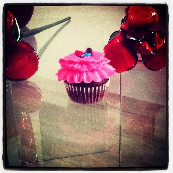 Chic ruffles with mini m cupcake