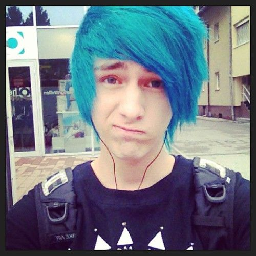 boy with blue hair tumblr - photo #17