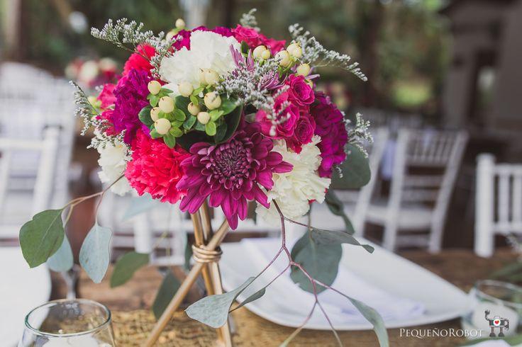 Parejas Boda Planes 2017 - Realizado por: Boda Planes - llamanos 3182862268  Foto: Pequeño Robot #amaresunplan #noviosbodaplanes #hacemosparejasfelices #weddingplanner #bodascampestres #bodasmedellin #brides #boda #weddingplanner #decoracion #organizadoresdebodas #bodaplanes #wedding #decoraciondeboda #weddingdecor #decor