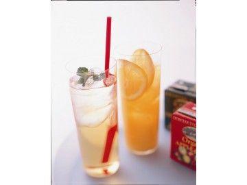 【オーガニック ストレートジュース】JAS有機 フルーツジュース 水、砂糖、香料などを一切加えていない100%天然果汁のジュースです! オレンジは、1トンの果実からわずか450リットルしかとれない果汁を贅沢に、そのままパック詰めしました