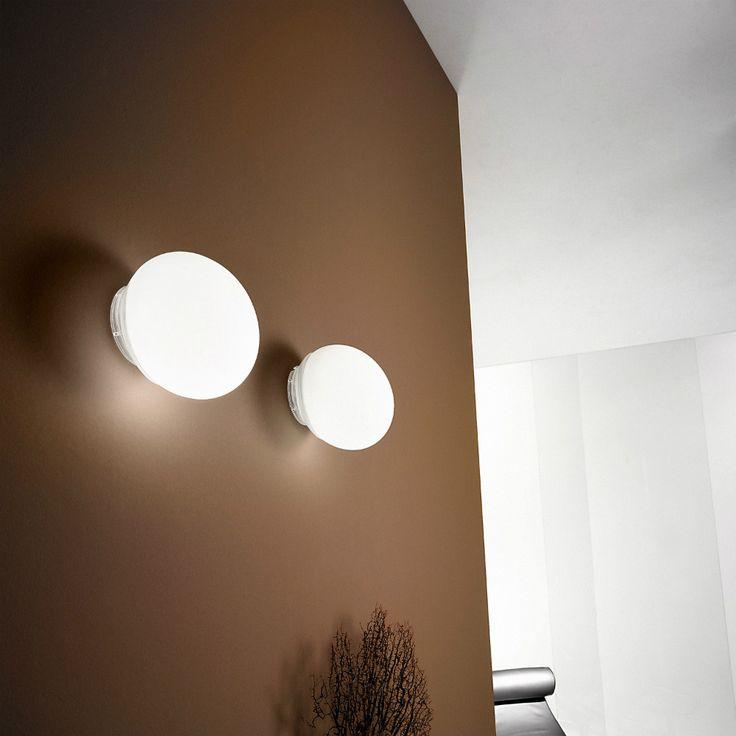 LineaLight Goccia una lampada da parete o soffitto, anche in versione led, perfetta per illuminare corridoi o piccoli ambienti.