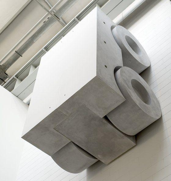 "Monocromo bianco, 2005 ""Olio su pietra serena"" 210 × 300 × 180 cm"