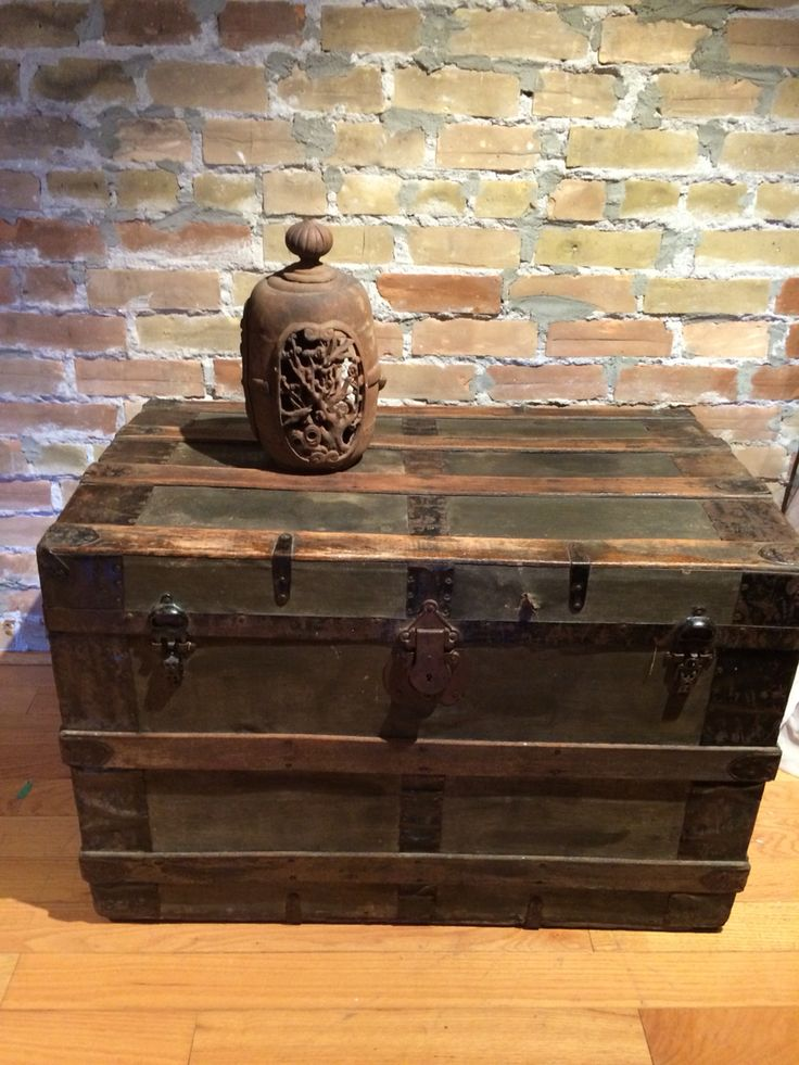 Best 25+ Old trunks ideas on Pinterest | Trunks painted ...